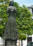 bullay statue