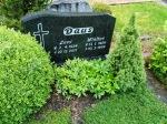 gravestone3